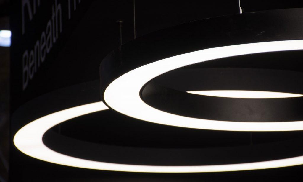 چراغ نور خطی حلقه ای مدل رینگو