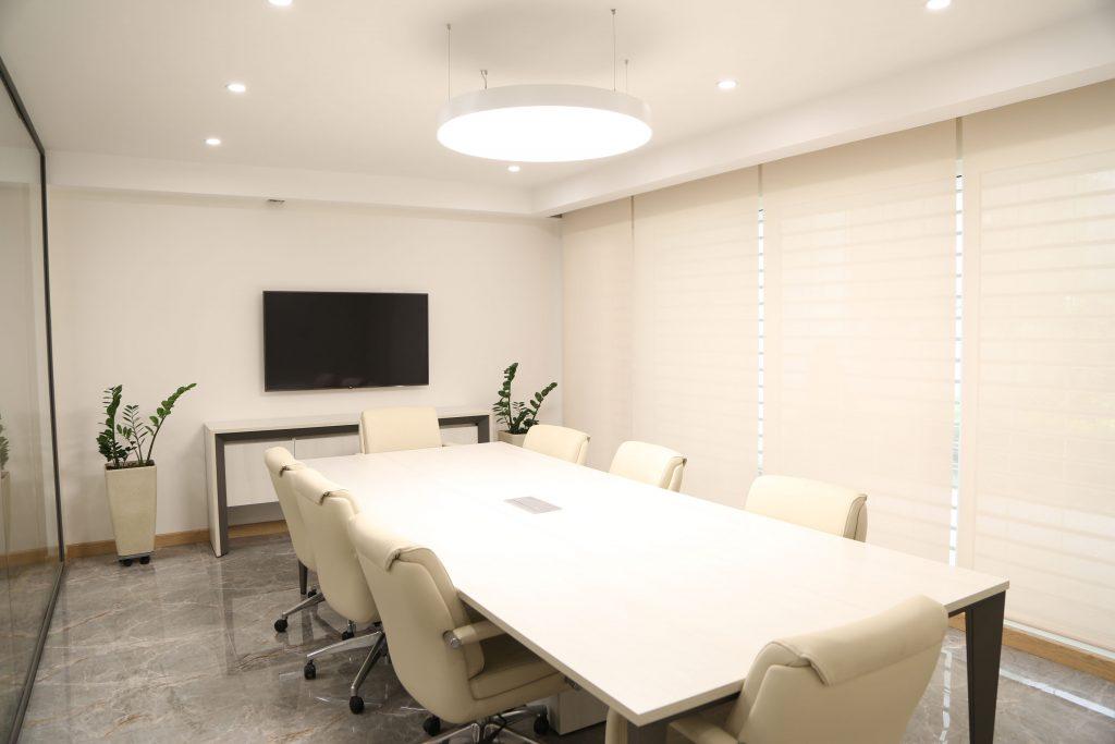 دفتر اداری شرکت مهندسی در تهران - چراغ دایره ای لینو آویز
