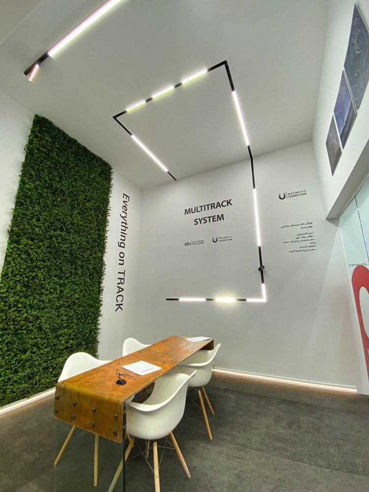 تصویذ شوروم سیستم مولتی ترک در نمایشگاه میدکس 98 غرفه نورانه