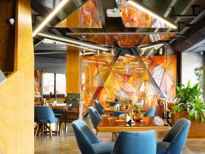 تصویر رستوران آدرین، چراغ خطی ( نور خطی ) لاین نورانه