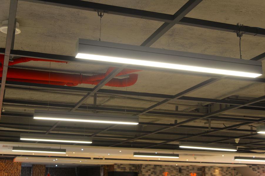 چراغ خطی ( نور خطی لاین ) اجرا شده در هایپر سینیور مارکت